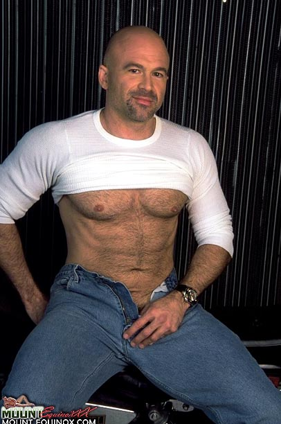 Giovanni's Free Gay Images
